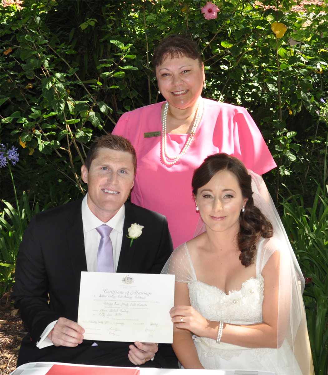 Weddingofficiant Martess Dowling Marriage Celebrant in Adelaide ...