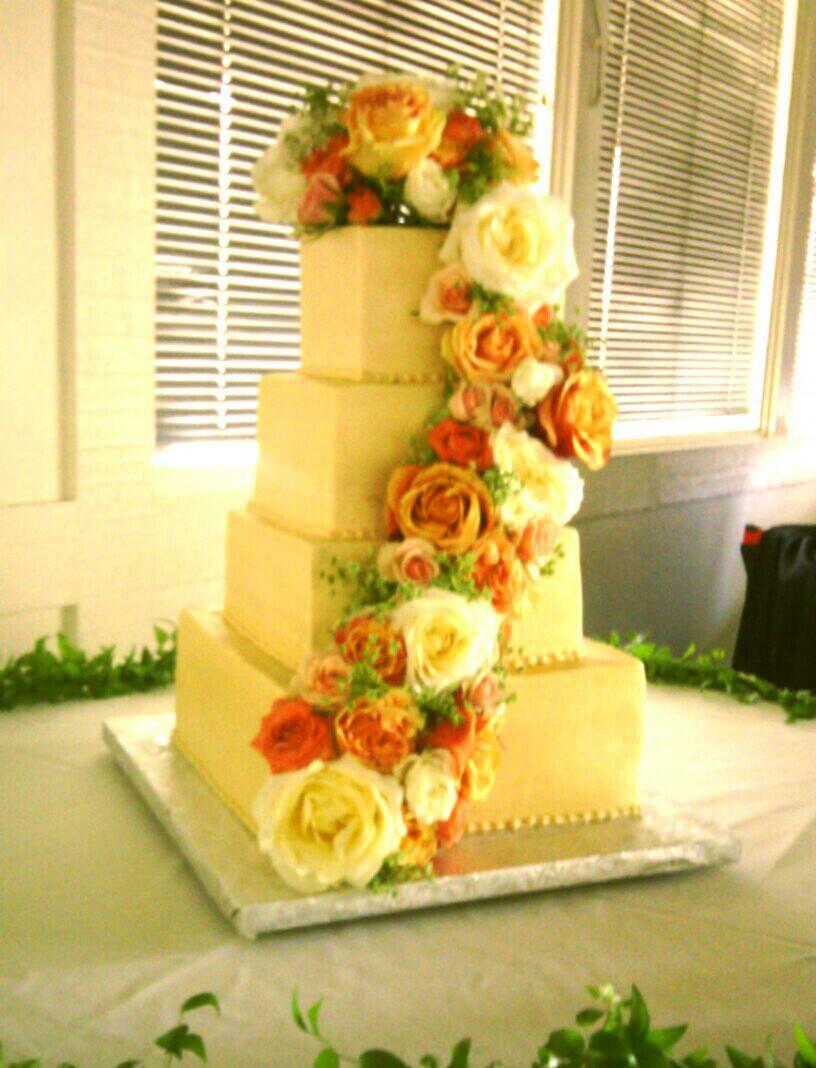 Weddingcakes by Sweet Kisses Cake Company in Modeto, California ...