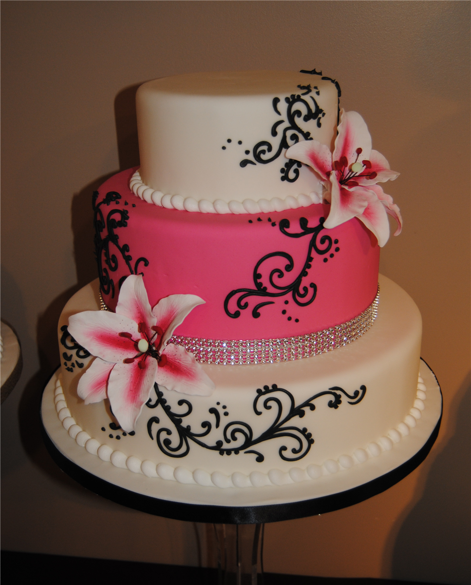 Weddingcakes by Artistic Cake Design in Ottawa, Ontario. Cakes and cupcakes by Artistic Cake Design