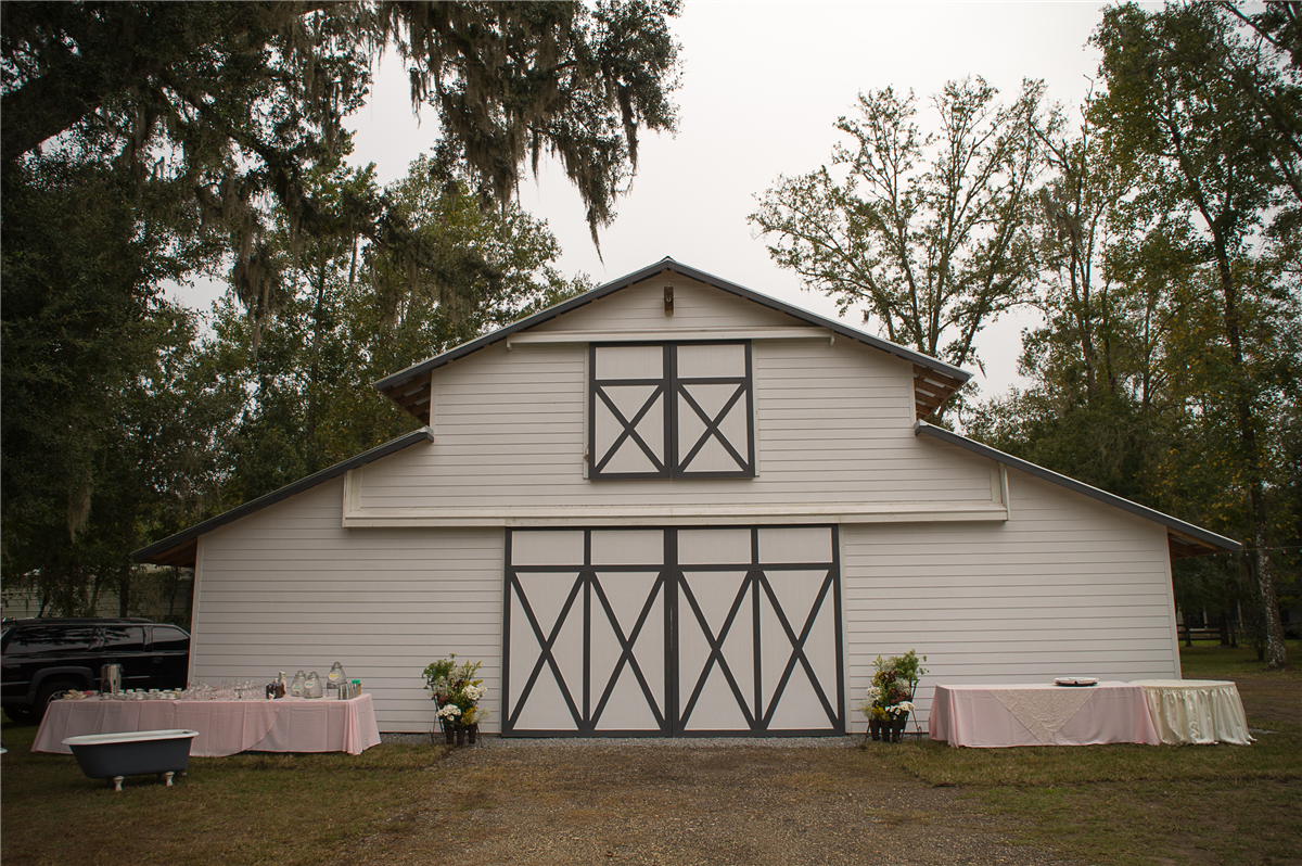 Wedding Venue The White Barn Wedding In Brooksville